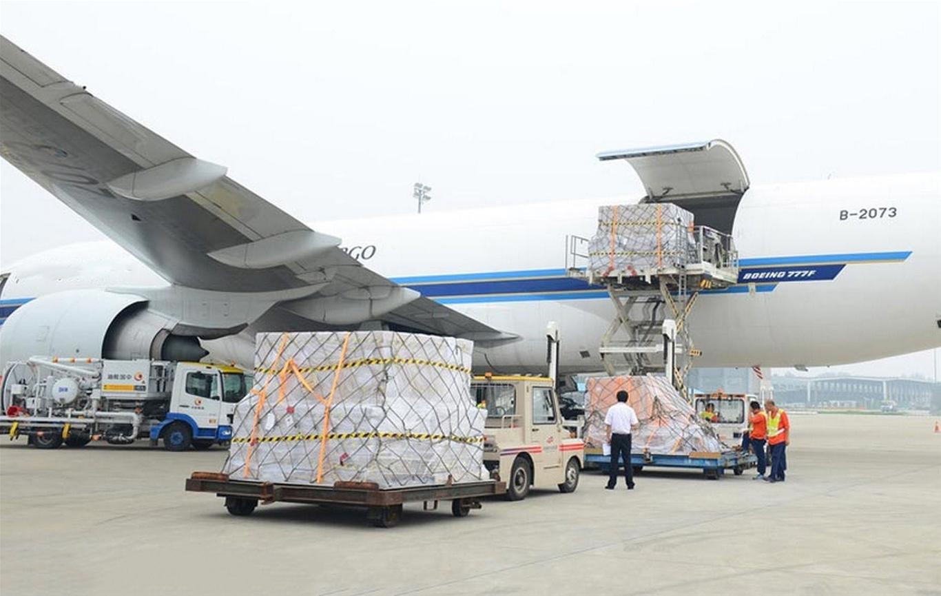 Vận chuyển đường hàng không giúp tiết kiệm thời gian vận chuyển